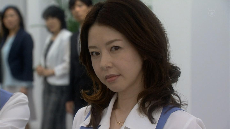ショムニの制服で凄む堀内敬子